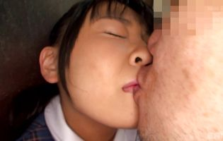 Dishy bimbo Airi Sato gets down and gives a steamy blowjob