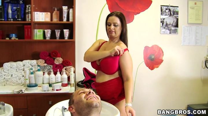 Startling brunette Sirale with firm natural tits gives an blowjob to a hard wang